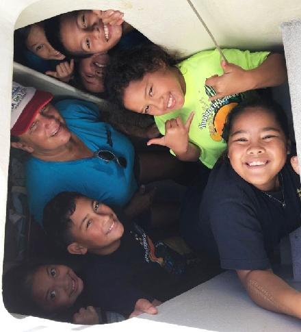 Hikianalia visited by local kids