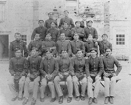 Indian prisoners with Lieutenant Richard H. Pratt 3
