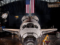 Front view of the space shuttle discovery at the udvar-hazy center